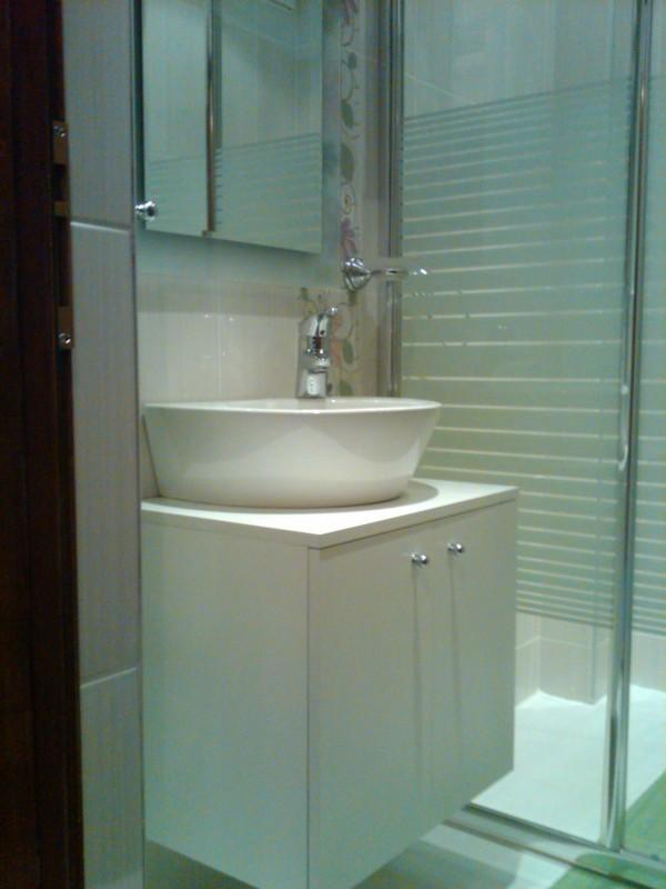 комплект мивка с шкав и огледало за баня